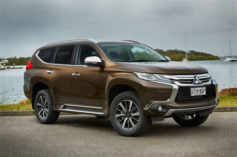 mitsubishi outlander gls sport at 2016 mitsubishi pajero sport on sale in australia from