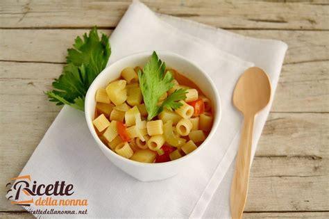 pasta sedano minestra pasta patate e sedano ricette della nonna