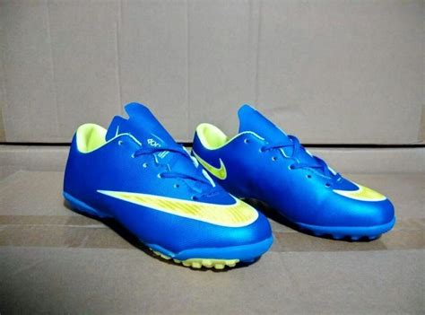 nike shoes for football new cheap nike football shoes in 191794 for 38 40 on