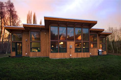 fabcab modern cabin on whidbey island washington perfect small 1000 images about prefab shipping container homes