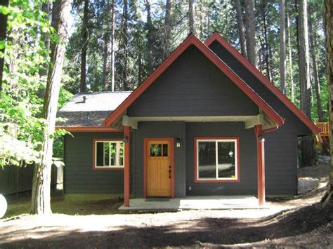 17 best ideas about cabin exterior colors on blue house exterior colors rustic