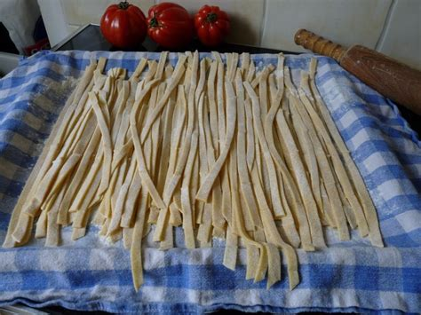 comment cuisiner les pates fraiches p 226 tes fraiches tagliatelles faites maison avec