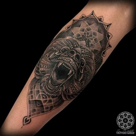 tattoo old school dotwork tatouage veau ours dotwork par coen mitchell