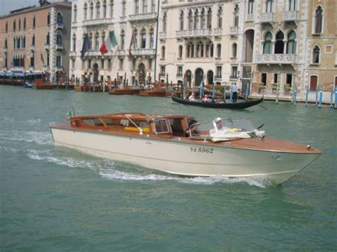 venice taxi boat private transfer service by water taxi from the city