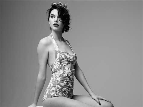 kendall jenner wallpaper black and white kendall jenner marilyn monroe black and white photoshoot