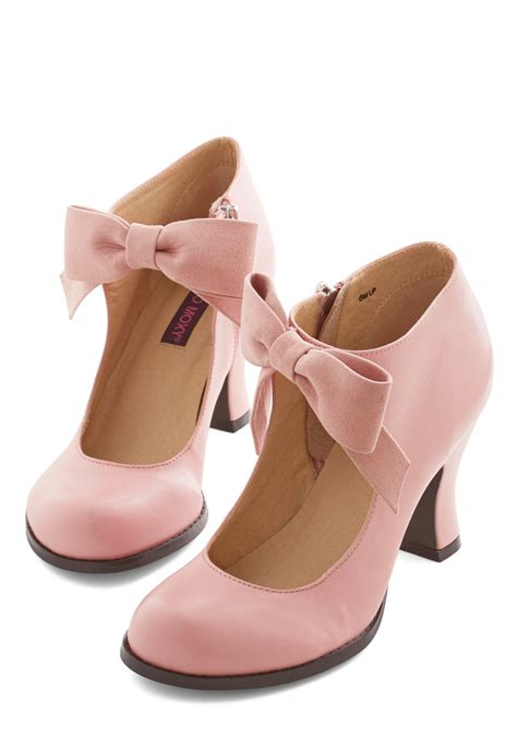 saturday strut heel in pink mod retro vintage heels