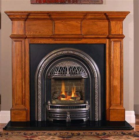 Small Fireplace Mantel by 1000 Ideas About Small Fireplace On Fireplace
