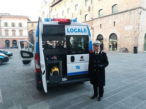 ufficio vigili urbani polizia municipale a foligno in 99 per il posto da