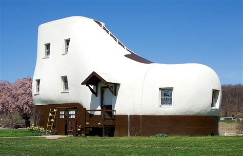 shoe house in pa the man who lived in a shoe
