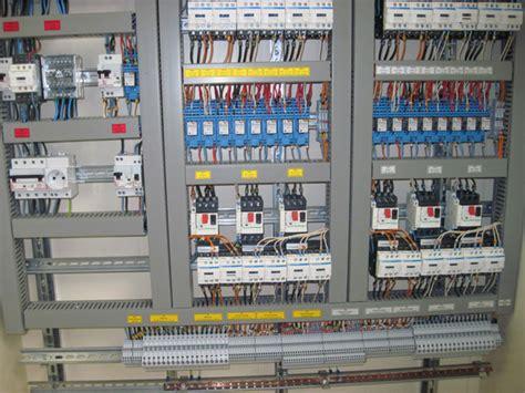 cablage d armoire electrique r 233 alisation c 226 blage d armoires 233 lectriques en midi