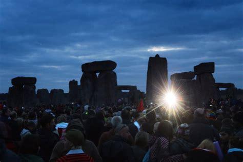 Sido Cardy 3 fases da lua stonehenge celebra 199 195 o do nascimento do sol