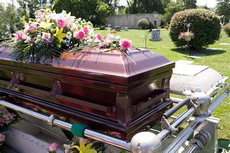 13 things a funeral director won t tell you reader s digest