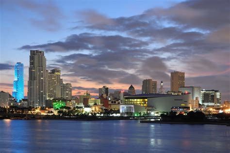 imagenes miami hd cloudy night in miami wallpapers and images wallpapers
