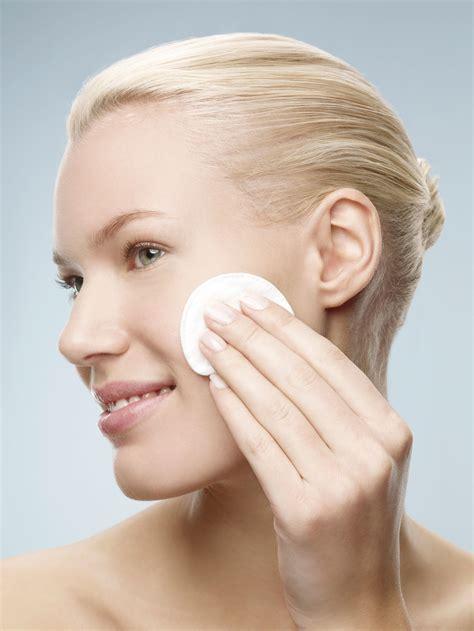 Toner Glow Glowing Skin 8 easy ways to get glowing skin by