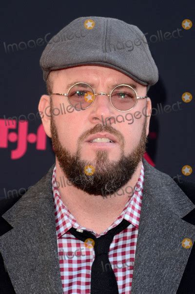 chris sullivan red carpet photos and pictures chris sullivan at the quot this is us