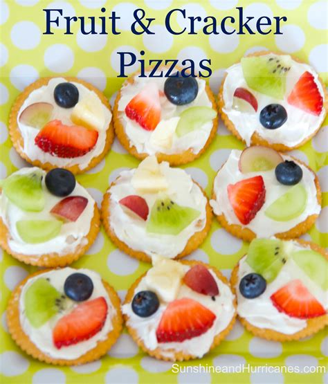 Snack Cracer easy fruit and cracker pizzas