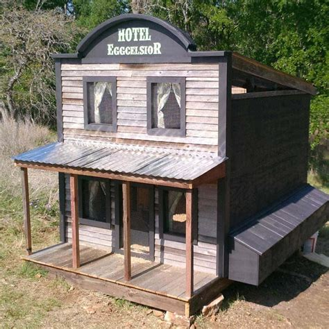 14 Wonderful and Wacky Chicken Coop Ideas ? The Family