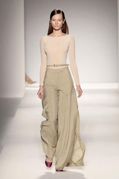 Fashion Maxmara 1160 max mara catwalk fashion show milan ss2011 team stigter catwalk show streetwear and