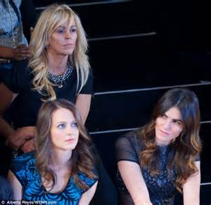 Dina Lohan Own Tv Show Ahead Of Daughters Stint In Rehab by Dina Lohan Is Relegated To Second Row At Miller S