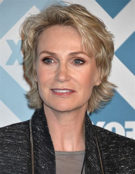 razor cut hairstyles for women over 50 jane lynch layered razor haircut for women over 50