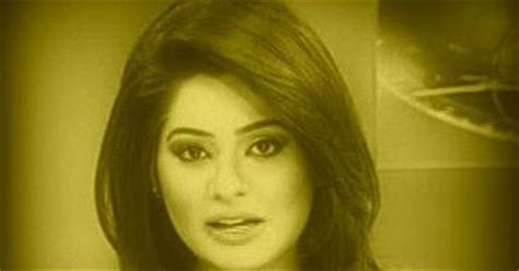 news anchors magazine: iqra shahzad dunya news