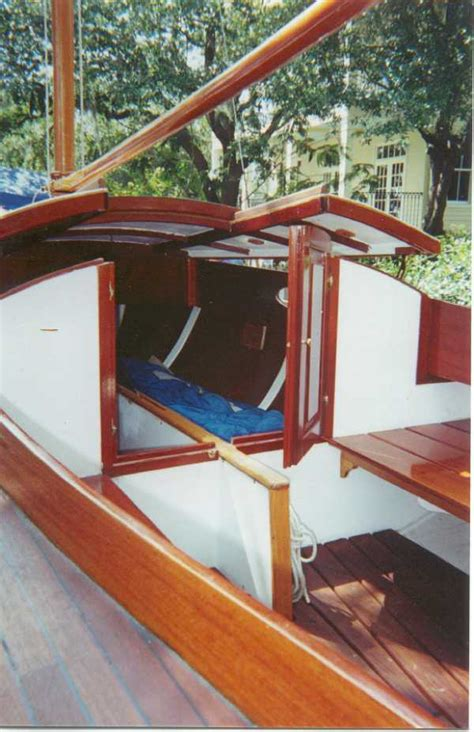 Small Sailboats With Cabin by Pics For Gt Small Sailboat With Cabin