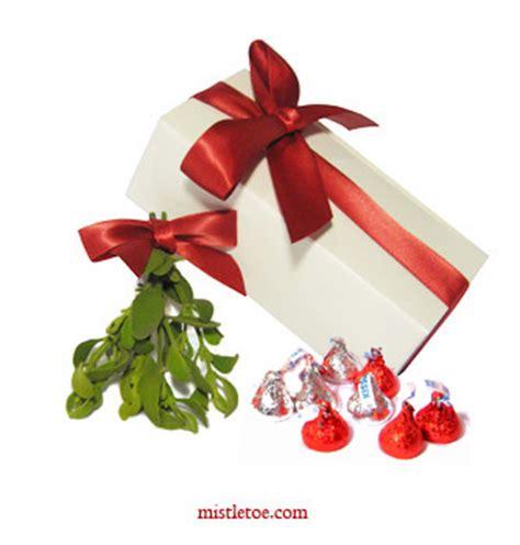mistletoe buy mistletoe and kisses gift boxes online