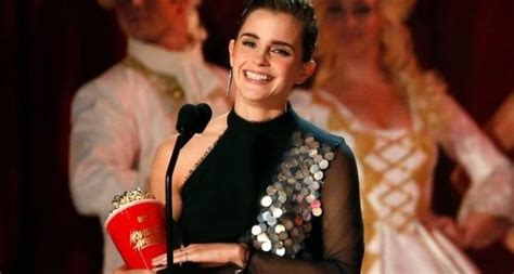 Film Terbaik Emma Watson   mtv movie awards lantik emma watson jadi aktor terbaik