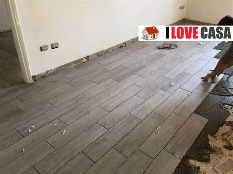 pavimento parquet e ceramica quale pavimento scegliere per ristrutturare casa gres