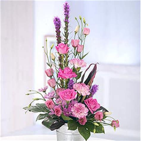 flower arrangment contemporary flowers