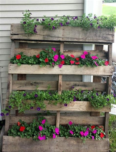 Wood Pallet Planters by Vertical Pallet Planter