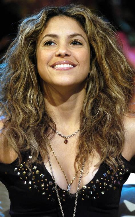 biography shakira shakira hairstyle trends shakira biography