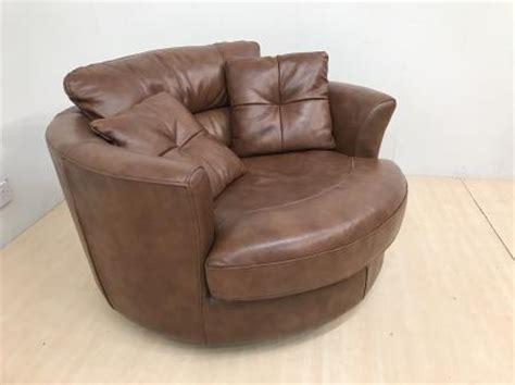 Mizzoni Italia High Quality Leather Swivel Cuddle Chair Leather Swivel Cuddle Chair
