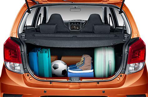 P1 Cover Daihatsu Ayla Silver daihatsu ayla mobil lcgc terbaru 2017 terbaik irit dan