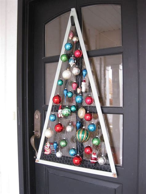 diy wire frame christmas decorations tree frame backed with chicken wire it u could get all supplies from