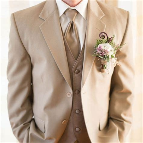 Holy crap! This is the color suit! With a purple tie and