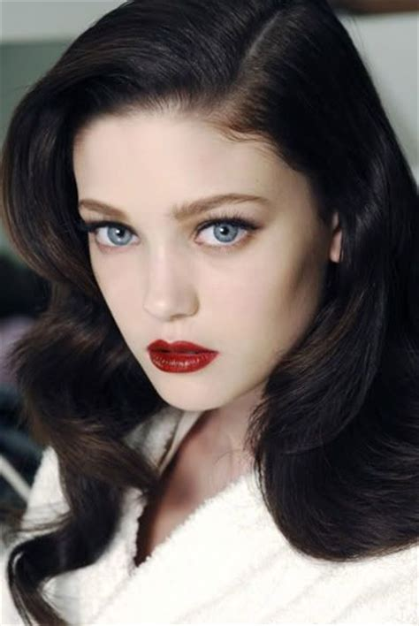 hair color in 1940 1940 s hair and make up dark red lip wedding hair