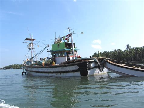 fishing boat for sale in goa fishing boats of goa photographed by ranjan mitra