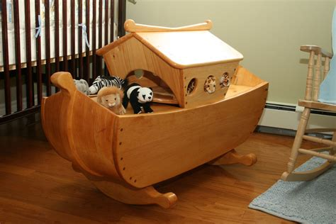fine woodworking project  cradletoybox