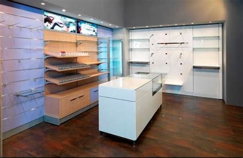 arredamento per negozi arredo per negozi in sardegna oristano nuoro olbia sassari