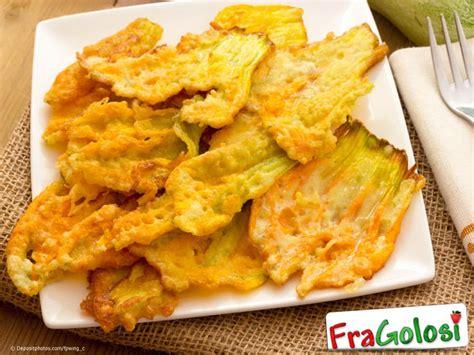 fiori zucchina fritti fiori di zucca fritti ricetta di fragolosi