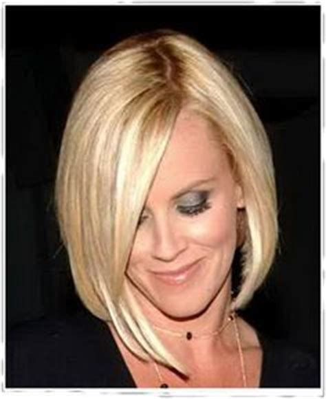 jenny mccarthy without extensions pop of pink wild child jenny mccarthy shows off