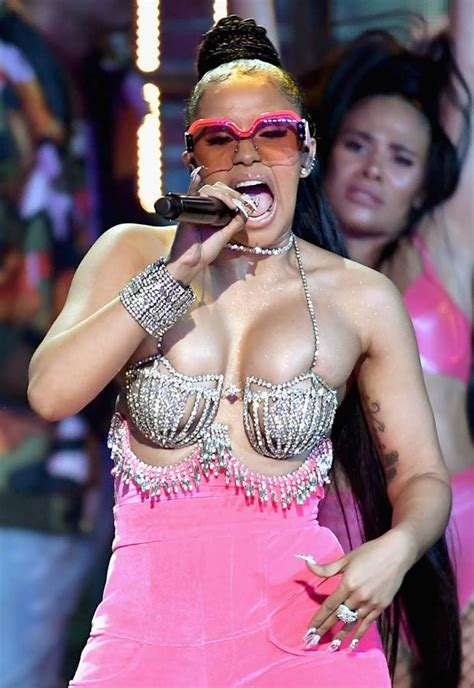 cardi b flashes fans bodak yellow cardi b wows with at bet
