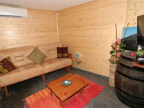 rustikales wohnzimmer ferienhaus casa madeira picolense pico sao mateus