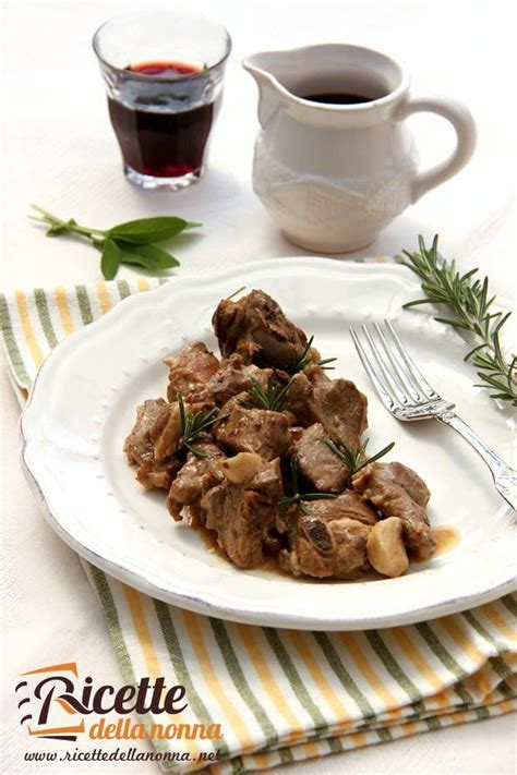 cucinare l abbacchio ricette di pasqua abbacchio o agnello alla romana
