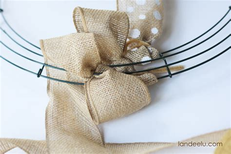 how to make a wreath with burlap how to make a burlap wreath landeelu com