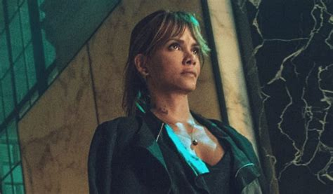 filme schauen john wick chapter 3 first look at halle berry in john wick chapter 3 revealed