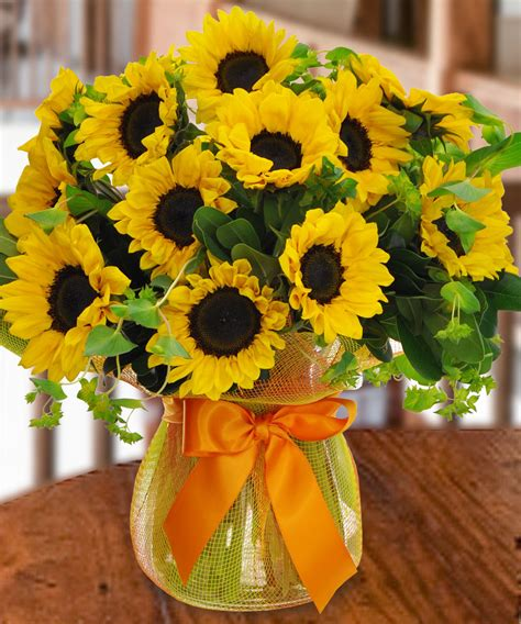 Vase Of Sunflowers by Vase Of Smiling Sunflowers Los Angeles Ca 1 Florist