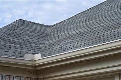 how to maintain a healthy roof