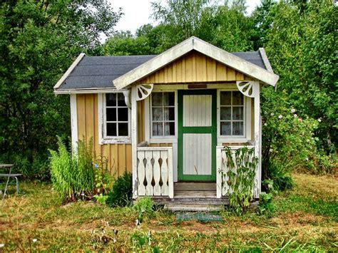 casa piccola piccole in legno mobili o fisse